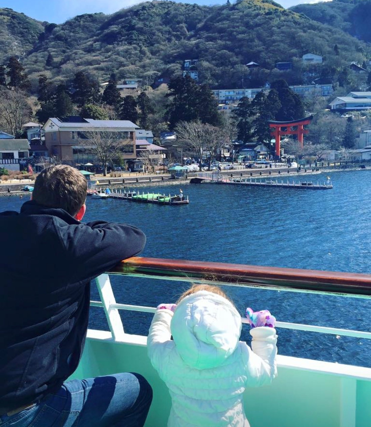 Mt Fuji Views That Are Still Fun For Kids The Tokyo Chapter Mount Shizuoka Tourist Pass Mini 3 Days Once Youre At Hakone En There Some Touristy Shops And An Aquarium Its A Bit Run Down So I Dont Recommend Eating Lunch On This Side Of Lake If